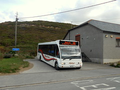 Hopleys Coaches Optare Solo, B2 PCV (miledorcha) Tags: hopley hopleys coaches mount hawke cornwall kernow south west england rural scenic bus buses service route regular country 315 redruth stagnes porthtowan beach road turning area atlantic coast b2pcv yj58vce optare solo m950 low floor integral demonstrator tourist holidays cornish local stage carriage