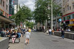 Vienna, Austria (wildhareuk) Tags: canon canoneos500d people street susan tamron18270mm austria bench tamron tree vienna vienna2018 img8500dxo