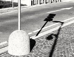 sidewalk (Cosentino Aran) Tags: walk sidewalk blackandwhite noir street city shadow light linee strada auto monocromo