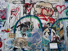 London 2018 (bella.m) Tags: graffiti streetart urbanart london greatbritain england art stencil pochoir wheatpaste pasteup heart shoreditch brexit