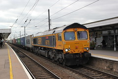 GBRf . 66710 . Ely Station , Cambridgeshire . Monday 08th-October-2018 . (AndrewHA's) Tags: cambridgeshire ely railway station train gbrf class 66 general motors gm diesel locomotive loco 66710 phil packer brit 4m29 felixstowe birch coppice intermodal freight container service