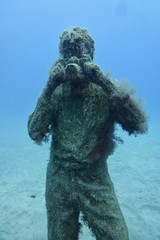 Museo Atlantico - underwater art installation (Kumukulanui) Tags: photographer museoatlantico art sculptures statues playablanca lanzarote canaryislands spain jasondecairestaylor