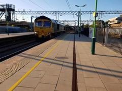 Bletchley (DarloRich2009) Tags: fl freightliner freightlinergroup geneseewyoming class66 66559 buckinghamshire bucks miltonkeynes bletchley bletchleyrailwaystation bletchleystation wcml westcoastmainline marstonvaleline marstonvale