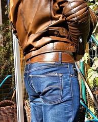 rub20 (armybelt007) Tags: leatherbelt leatherandjeans leatheranddenim beltfetish beltinjeans beltanddenim bulge armybelt armband officerbelt armystyle wideleatherbelt widebelt militarybelt jeansbelt malebutt
