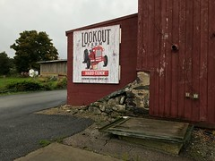 Lookout Farm Sign 4 (Lux Llama Productions) Tags: barn apple picking fall natick framingham lookout farms family couple 2018 apples many plenty lot hay leaf leaves crate box peach pear plant plants maple trees tree grass grape grapes bench orange picnic red