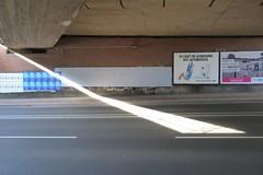 Dortmund (heleconia) Tags: fotografie farbbild farbfotografie horizontal niemand dortmund nrw nordrheinwestfalen ruhrgebiet ruhrpott deutschland licht light schatten shadow werbung reklame strase street brücke