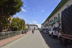 Cocuy (Tato Avila) Tags: colombia colores cálido cielos casas arquitectura perspectiva boyacá cocuy colombiamundomágico street photo arboles naturaleza nikon sky