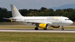 Airbus A319-112 EC-MGF Vueling (William Musculus) Tags: airport spotting basel mulhouse freiburg euroairport flughafen eap bsl mlh lfsb ecmgf vueling airbus a319112 vy vlg a319100
