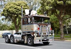 Maclean (quarterdeck888) Tags: trucks truckies transport australianroadtransport roadtransport lorry primemover bigrig overtheroad class8 heavyvehicle highway road truckphotos nikon d7100 movingtrucks jerilderietrucks jerilderietruckphotos quarterdeck frosty expressfreight generalfreight logistics overnightfreight highwayphotos semitrailer semis semi flickr flickrphotos convoyforkids convoy waggaconvoyforkids2018 riverinaconvoyforkids riverinatruckshow truckshow workingtrucks transportexpo maclean cabover kenworth k123