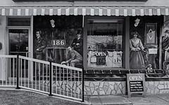 Urbanscape 4  # 100 ... ; (c)rebfoto (rebfoto ...) Tags: shop windowshop ilvagabondo rebfoto mono monochrome blackandwhite streetart ristauranteilvagabondo
