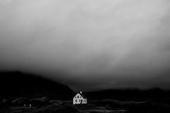 20180830-133903SW (AlexM.) Tags: arnarstapi atlantik europa halbinsel iceland insel island meer nationalpark ozean snaefellsnes strasse strase europe ocean road sea himmel sky haus house