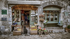 Valldemossa - Vegetable shop (Werner Thorenz) Tags: mallorca valldemossa smartphonephoto vegetableshop vegetable shop laden tanteemmaladen