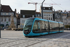 2014-10-15, Besançon, Place de la Révolution (Fototak) Tags: tram strassenbahn ginko besançon france caf 814
