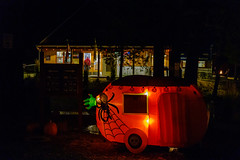 DSCF2882.jpg (RHMImages) Tags: xt3 inntowncampground night fuji decorations halloween nevadacounty evening fujifilm nevadacity