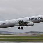 American Airlines / Airbus A321-211 / N167US thumbnail