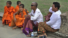 Young and old (អង្គរវត្ត) (hasor) Tags: cambodia siem reap khmer asia southeast angkor wat monks old young women sitting