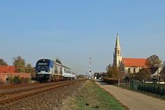 SU-160 008 mit dem TLK 78103 in Stare Kurowo (PL) (M. Eisenmann) Tags: zug eisenbahn pkp su160 diesellok