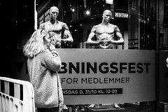 Images on the run... (Sean Bodin images) Tags: sportsmaster frederiksgade streetphotography streetlife seanbodin strøget streetportrait autumn autumn2018 copenhagen citylife candid city citypeople october2018 documentary denmark voreskbh visitdenmark visitcopenhagen