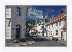 A lovely street in Flekkefjord (Fr@nk ) Tags: norway norge mrtungsten62 frnk europ12 europe travel canon6d img9221 flekkefjord city town white architecture streets water sky clouds ciel himmel nuages blue woodenhouses ektachrome authentic canonef24105mmisl topf25 topf50 topf75