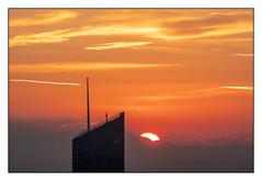 (Laetitia.p_lyon) Tags: fujifilmxt2 lyon leverdusoleil leverdujour sunrise ville city incity