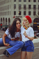 Lollipop (TheJennire) Tags: photography fotografia foto photo canon camera camara colours colores cores light luz young tumblr indie teen adolescentcontent indianapolis indiana unitedstates 2018 beret fashion style jeans friends girls ootd outfit lollipop blonde curlyhair boots 50mm