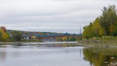 Automne, autumn - Passerelle de la rivière Chaudière, P.Q., Canada - 8073 (rivai56) Tags: automne autumn passerelle rivièrechaudière pq canada rivière chaudière en beauce