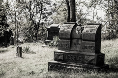 (Melnee Benfield) Tags: cemetery tombstone marker rural ohio