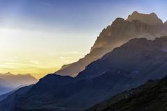 restlicht (ver.sus) Tags: overnight wandern hiking berge alpen licht sonne sonnenuntergang goldenestunde blauestunde goldenhour bluehour swiss sunset light evening mountains mountain alps ngc