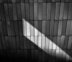 _\\___ (Cosentino Aran) Tags: dark blackandwhite linee wall appartment italy minimal monocromatico light shadow street