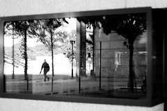 In the street TV (pascalcolin1) Tags: paris13 homme man vitre window fenêtre miroir mirrors reflets reflection photoderue streetview urbanarte noiretblanc blackandwhite photopascalcolin 50mm canon50mm canon