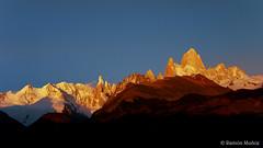 DSC0331 Amacecer sobre el macizo del Chalten o Fitz Roy, Andes patagónicos, Argentina (Ramón Muñoz - Fotografía) Tags: los andes argentina el chalten fitz roy patagonia montañas de parque nacional glaciares