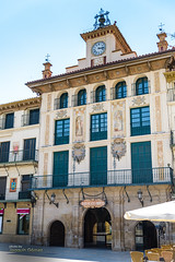 """Casa del Reloj"" (1687), Tudela, Spain. (Oddiseis) Tags: building tudela navarra spain architecture city tamron247028 clock arch square"