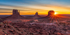 Daybreak at The Mittens (Greg Lundgren Photography) Tags: themittens monumentvalley monumentvalleynavajotribalpark arizona utah merricksbutte sunrise spring desert southwest travel vacation landscape morning dawn daybreak sun