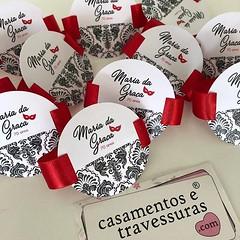 Porta guardanapo para um baile de 🎭 máscaras! #70anos 📍personalizamos para sua festa! Tag personalizado e fita de cetim 📍de SP para todo o Brasil 🎁casamentosetravessuras.com #casamentosetravessuras #portagu (casamentosetravessuras) Tags: instagram facebookpost lembrancinhas personalizadas