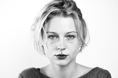 Close-up Celia #4 (@phr_photo) Tags: femme portrait visage woman girl blackandwhite monochrome sansretouche vraie brute profond deep regard eyes blondhair beautiful