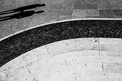 Street Shadows - Italy (Jens Schlenker) Tags: black shadows silhouetten silhouettes weiss xpro2 schatten abstrakt schwarz abstract italy italien street fuji kontrast white