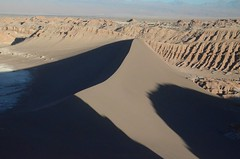 2017-11-08_1807_DSC_0486 (becklectic) Tags: 2017 atacamadesert chile regióndeantofagasta reservanacionallosflamencos sanpedrodeatacama sanddune sunsethike valledelaluna