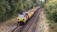 70806 (JOHN BRACE) Tags: 2013 general electric erie pa usa class 70 co diesel loco 70806 station colas livery seen during track renewal works between crawley having left work site is three bridges photo taken from hawth avenue road bridge looking towards 66054