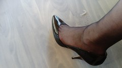 DSC_0493 (grandmacaon) Tags: highheels hautstalons toescleavage talonsaiguille lowcut lowcutshoes sexyheels stilettos