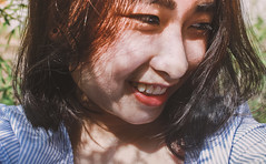 IMG_5426 (Haru2212) Tags: girl ngoàitrời người lightroom nature natural naturalbeauty canon sunday canon450d smile magic vietnamese vietnam