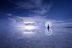 Light-painting in Uyuni (ericpare) Tags: lightpainting uyuni reflection storm thunderstorm lightning