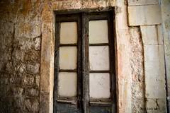 Una puerta en Dubrovnic (pepelara56) Tags: puerta puertas door doors tokina