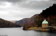 Garreg-ddu Reservoir. Elan Valley (Row 17) Tags: uk gb greatbritain wales powys reservoir water hills hillside nikon d70