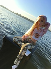 Blonde Waters. (dolldudemeow24) Tags: barbie fashionistas number 22 chambray chic doll 2016 blonde hair checkered pants pink vest beanie croptop white chocker fall autumn fashion collcection trees blue sky sunny sunlight morning water lake waves pier 2018