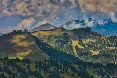 I chiari scuri della vita... (giobertaskin) Tags: canon vintage mountain life vita giochi ombra luce