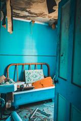 Abandoned House (The Dying Light) Tags: abandoned abandonedbuilding abandonedhouse urbex urbanexplorationphotography urbanexploration urbanexploring abandonedmaryland abandonedbuildingsinmaryland