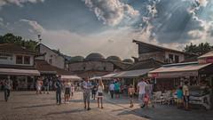 Le dimanche à Sarajevo (Mirarmor) Tags: rue personnes ville voyage couleur ciel place bosnie sarajevo scènes de