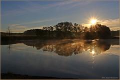 Sonnenaufgang (der bischheimer) Tags: sonnenaufgang sunrise teich see spiegelung lausitz sachsen saxonie canon derbischheimer