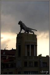 ¿Se ha escapado del zoo? (Bilbao, País Vasco, España, 5-8-2009) (Juanje Orío) Tags: bilbao paísvasco vascongadas vizcaya 2009 provinciadevizcaya euskadi españa espagne espanha espanya spain europa europe europeanunion unióneuropea escultura sculpture
