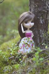 Woodlands (Dragonella~) Tags: pullip doll coco alte obitsu rewigged pullipobitsu pullipalte pullipcoco forest monique moniquejojo moniquegold moniquewig dragonella nikon d5100 groove pullipdoll brunette wood green pink